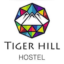 Tiger Hill is the host.