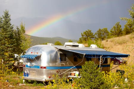 Private Airstream Mountain Getaway - El Prado - Husbil/husvagn