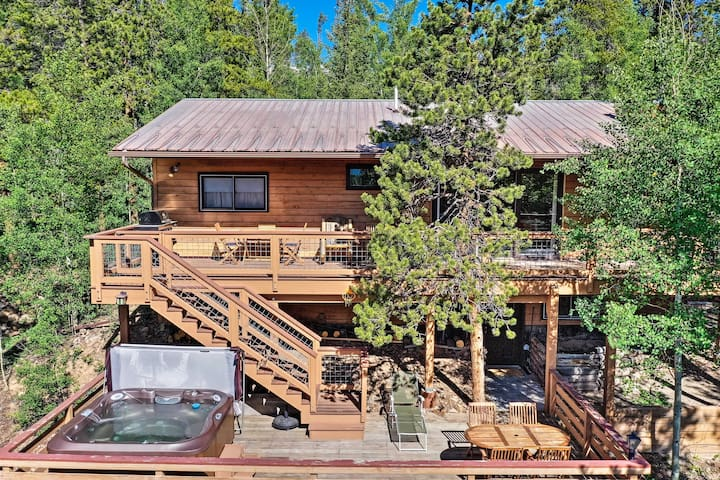 Stunning Breckenridge Mtn View Home w/ New Hot Tub