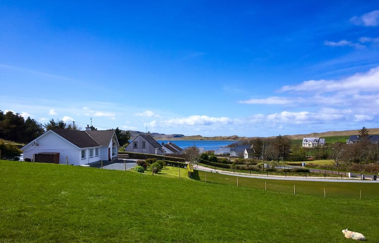 Light, bright with beautiful views - Dunfanaghy - Huis