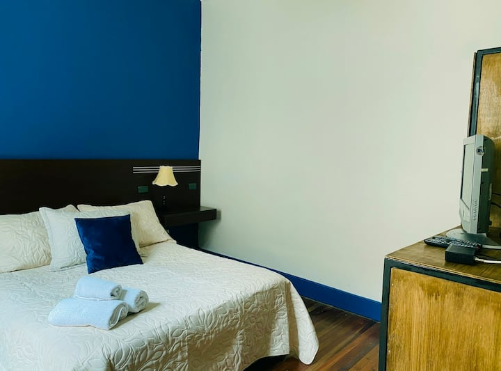 Habitación Matrimonial en Hotel  + Desayuno