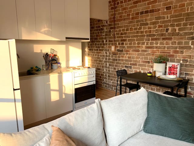 One bedroom apartment in Newtown