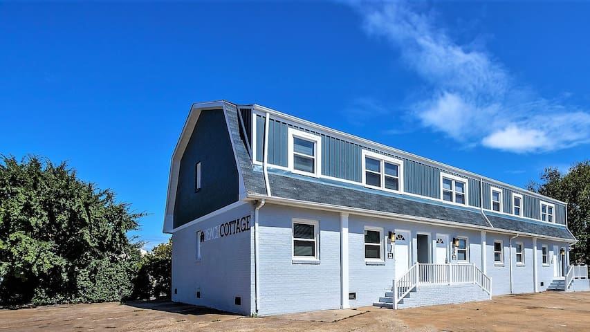 Beach Cottage Pier Suite  (Monthly Rentals Available)