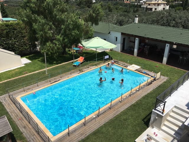Guesthouse with swimming pool