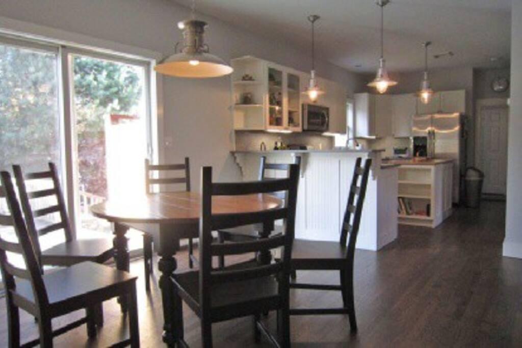 Kitchen seating and stools at bar area
