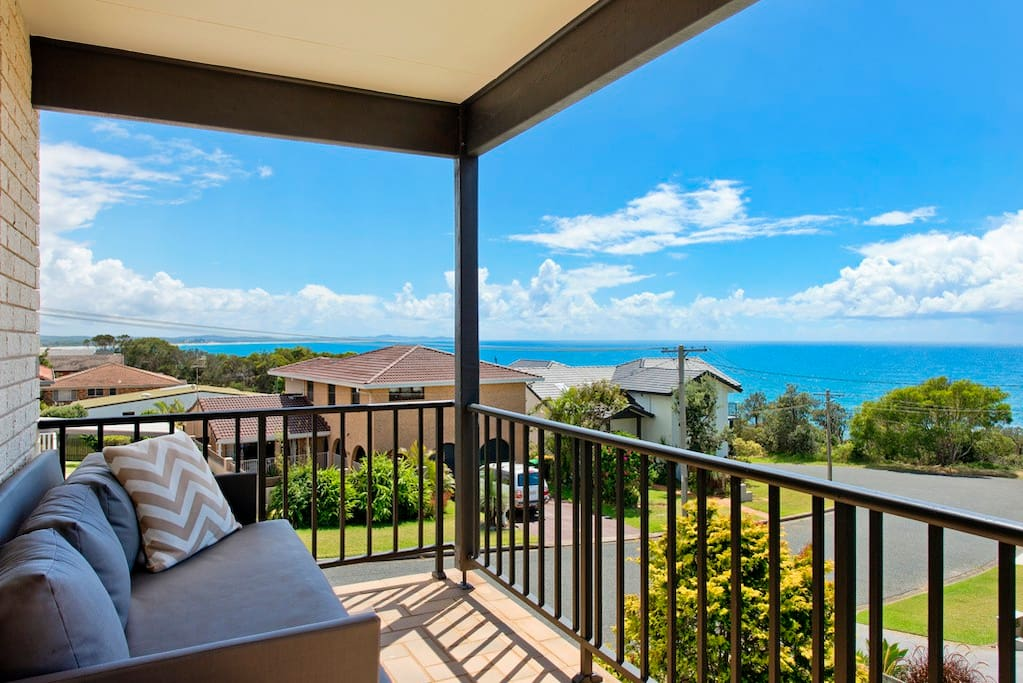 Apricari Bonny Hills, extensive ocean views up and down the coast