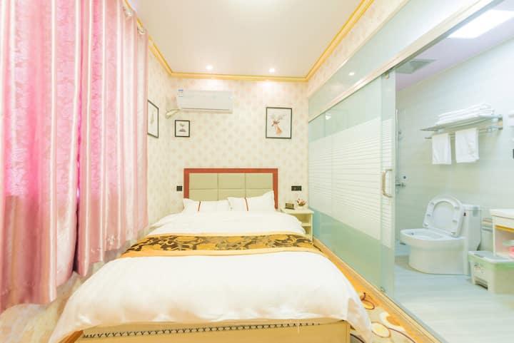 【成兰】温馨舒适大床房丨免费停车丨免费接送机场、S1地铁站丨超高性价比