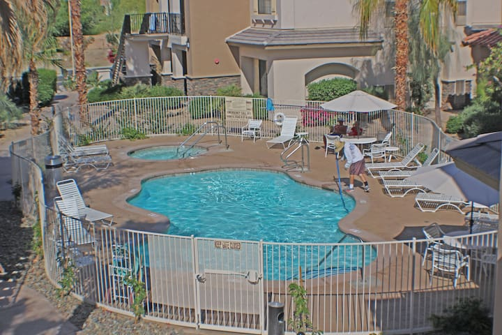 Skip to Old Town La Quinta Sleeps 4