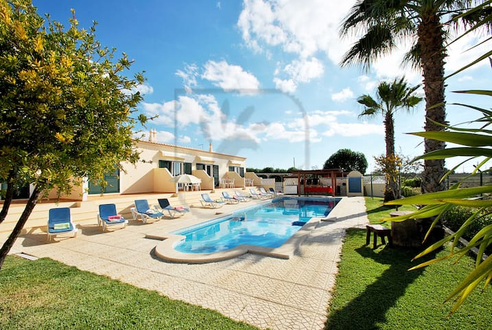 Hawaii 5 LOVELY 1 BED APARTMENTS, W/ SWIMMING POOl - Pêra - Apartamento