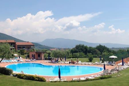 Garda lake & mountain resort - Costermano
