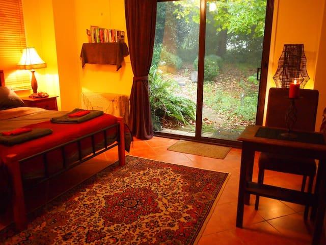 Ferny Forest Retreat - Sassafras - Pokój gościnny