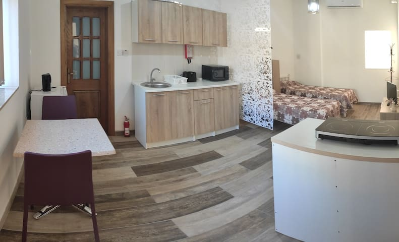 Newly Renovated Apartment close to Airport in Luqa