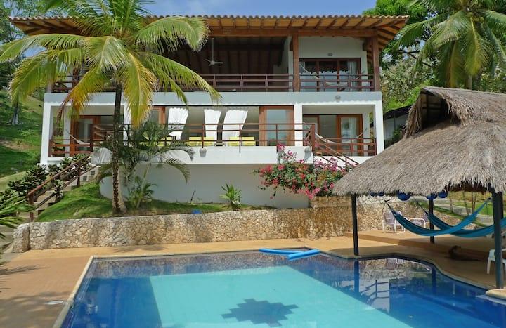 Sweet comfort in beachfront paradise! Room 2B