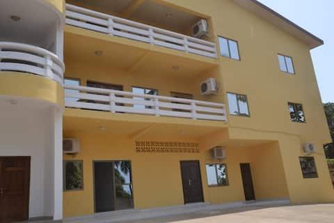 2 bedroom/1 bath full amenities & wifi luxury flat