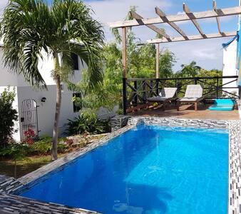 Blue Sail Villa - Master Suite