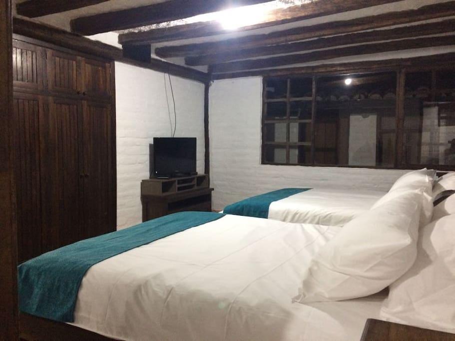 Dormitorio doble privado / private double room