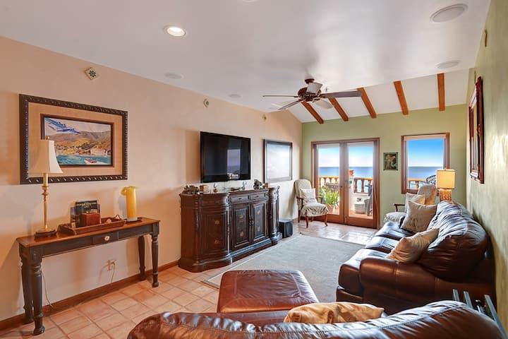 H1-75: Beautifully appointed and full ocean views from every room!
