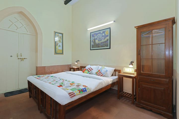 OYO - Glorious Home Studio | Church Square Just 1.1 km Away