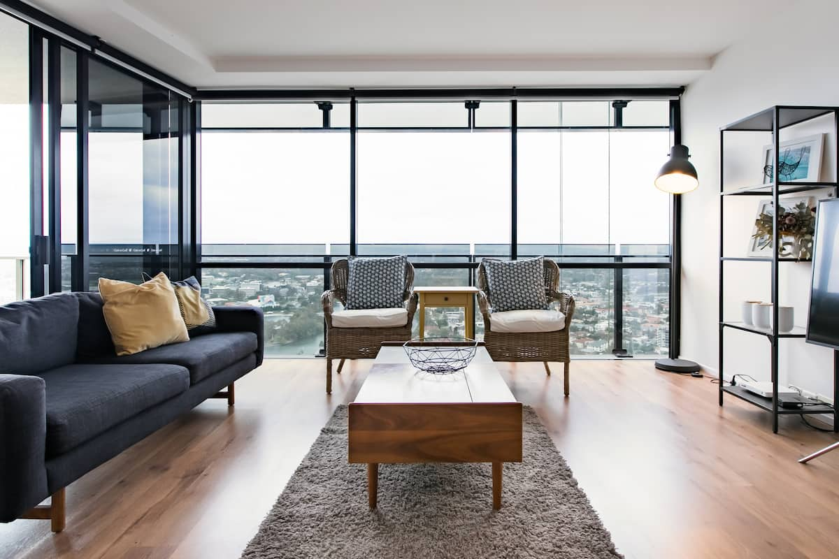 Surfers Paradise Modern Apartment with Gorgeous River View