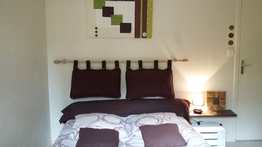 Chambre et parking apartments for rent in vannes for Chambre agriculture 13 cfe