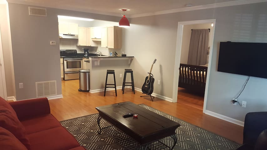 Spacious & Comfortable1BD/1BA Condo - Tucker - 公寓