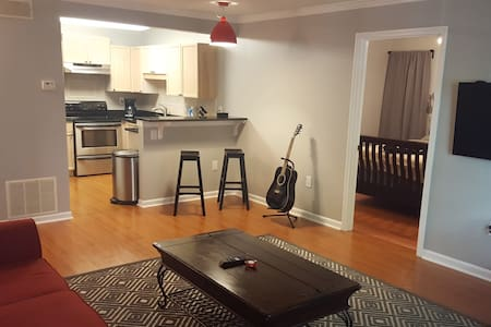 Spacious & Comfortable1BD/1BA Condo - Tucker