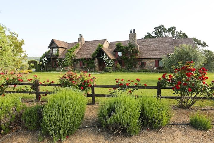 Escape to a Quiet Cottage on an Estate Vineyard