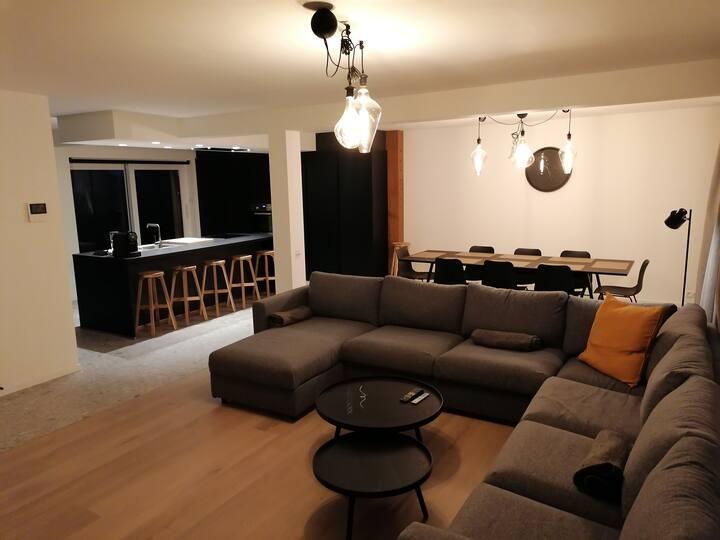 duplex appartement deluxe met 2 ruime slaapkamers