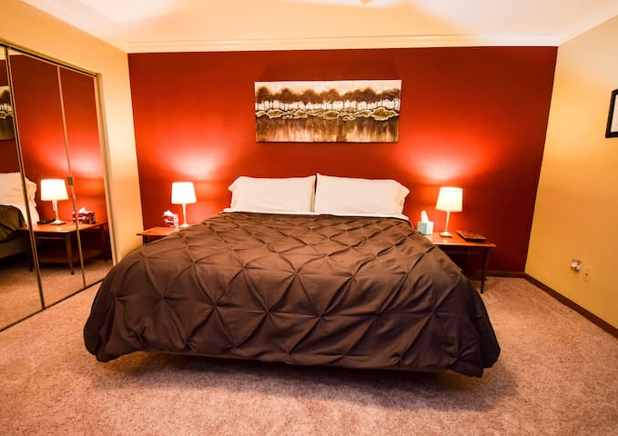 Master King Suite, St. Louis/Scott AFB