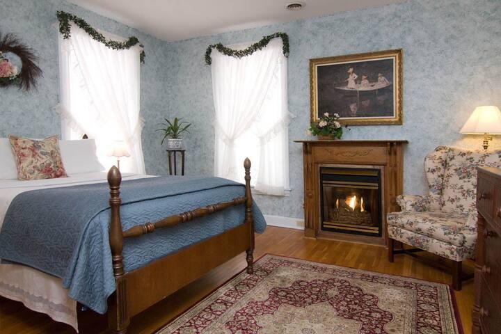 The Heather Room @ The Gaslight Inn B&B - Gettysburg - Bed & Breakfast