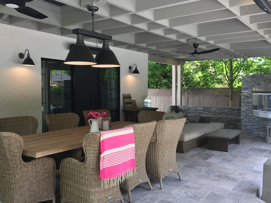 Covered patio: dining for 8 w/fans, heaters, gas fireplace, deep seat sofa