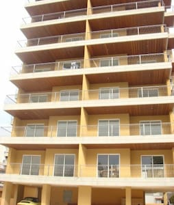 Charming high rise apt 3 bedroom - Zalka