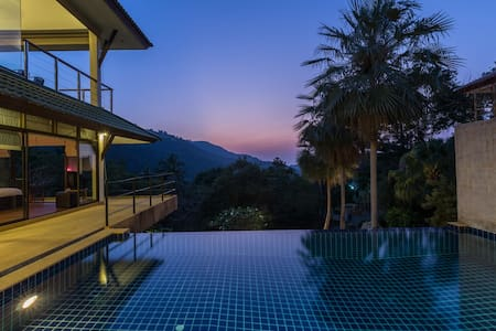 Relaxing villa, amazing view in the hills. - Ko Samui - Villa