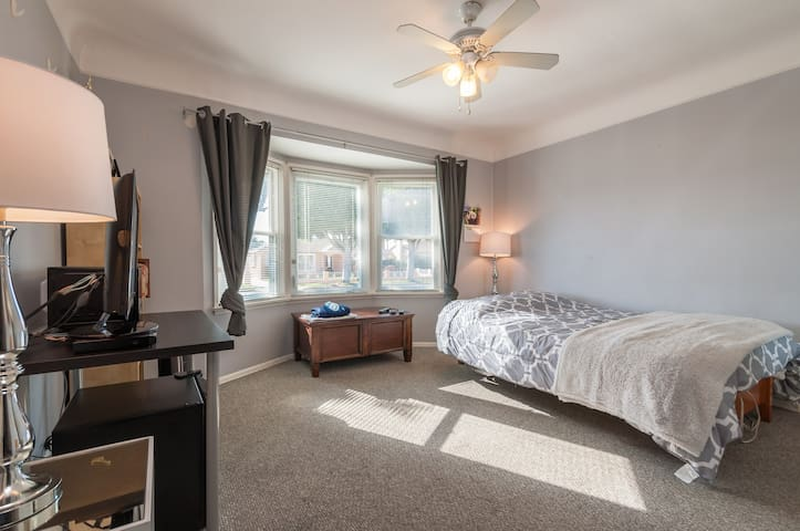 Cozy room with TV Near LAX - Inglewood - Maison