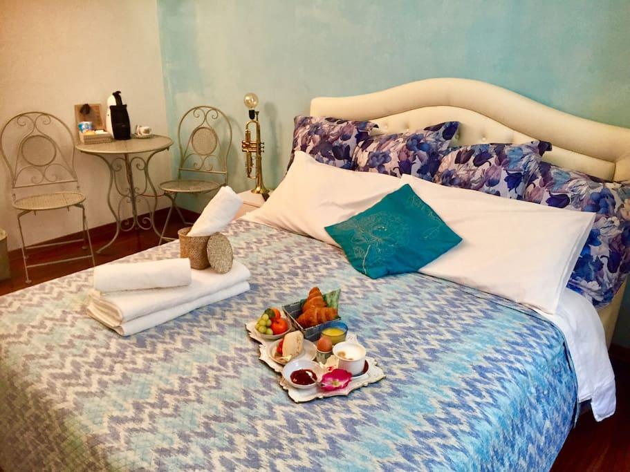 New bed in bourbon street room