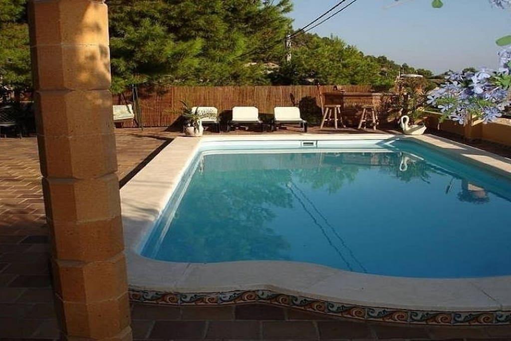villa jardin y piscina privada sagunt valencia villas