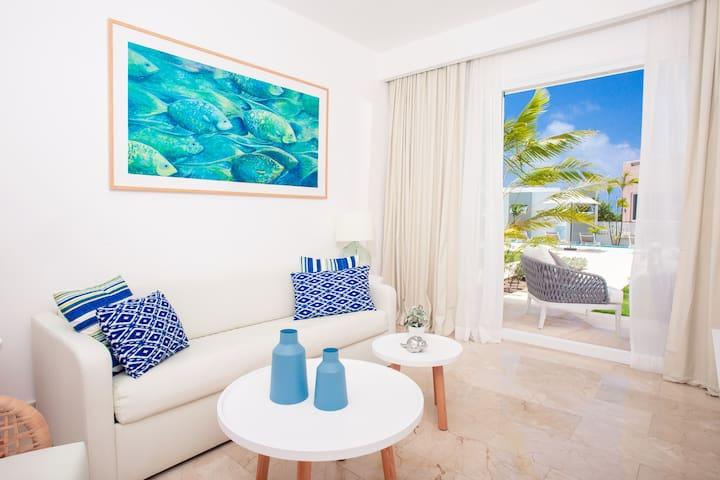 Coral House Pool View 1 Bedroom Suite
