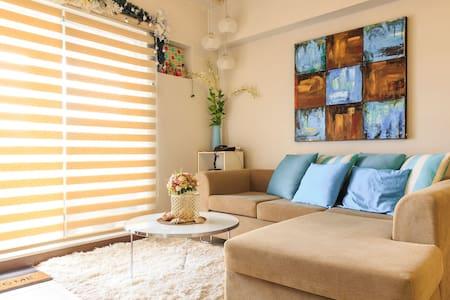 Charming 2BR unit w/Manila Bay view - Pasay - Wohnung