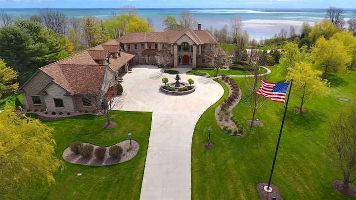 Immaculate Wisconsin Home on Lake Michigan!