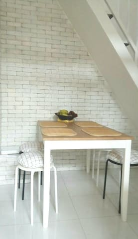 Renovated. 10 mins to universities in Jatinangor