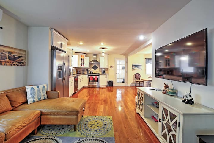 NEW! Seaside Escape < 1 Mile to Long Branch Beach!