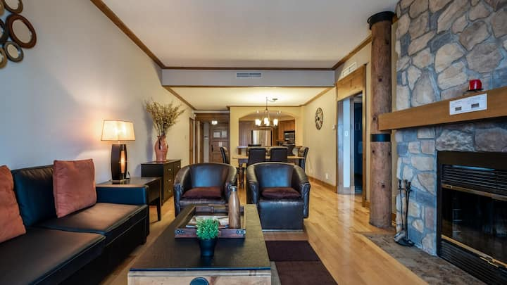 Ski In Ski Out with Sweet Amenities