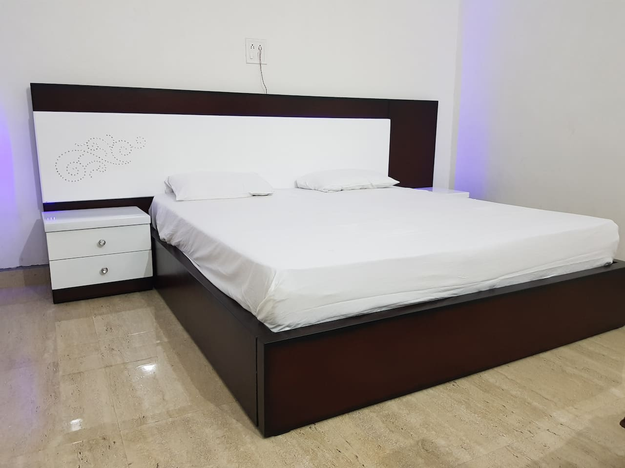 """king size designer bed with 8"""" mattress and 2 side tables"""