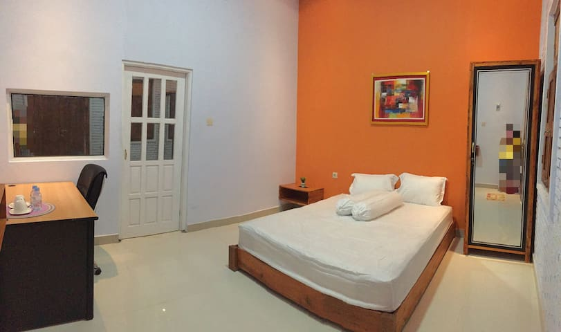 Djoglo Djatimalang Suite Guesthouse 2