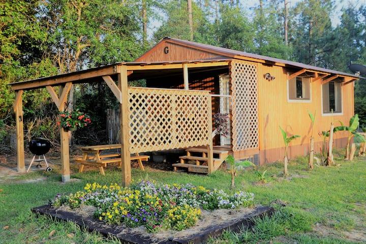 Charming cabin on Hillcrest Farm