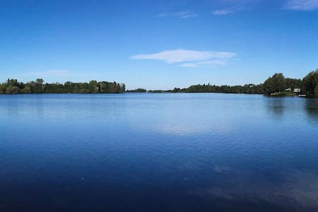 Maison au bord du Lac-à-la-Croix