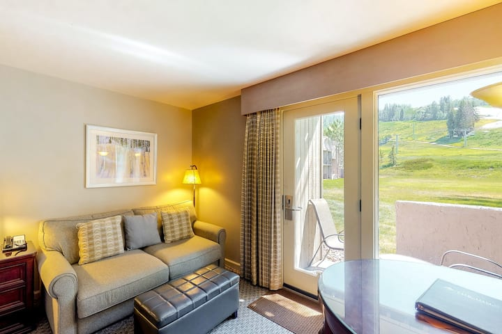Dreamy, ski-in/out hotel room w/ mountain view, WiFi & shared hot tub, pool, gym
