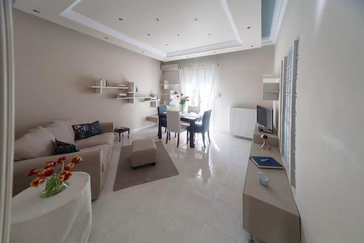 """""""ΕΙΡΗΝΗ & ΝΙΚΟΣ HOME"""""""