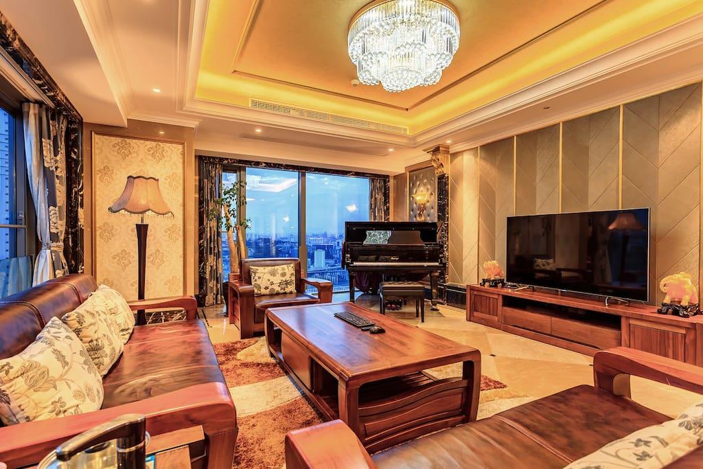 带钢琴的客厅更有艺术气息