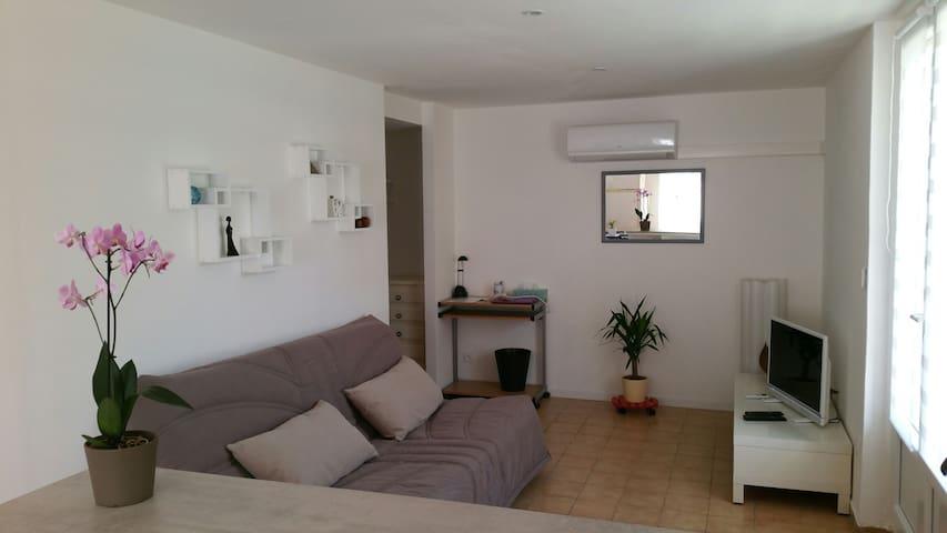T2 55 m2 bas de Villa confortable avec Terrasse